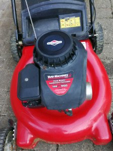 Gas lawn mower nearly brand new for only$150