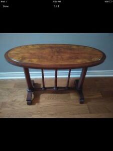 Excellent Mahogany Side Table!