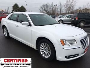 2014 Chrysler 300 Touring ** HTD LEATH, BLUETOOTH, DUAL CLIMATE
