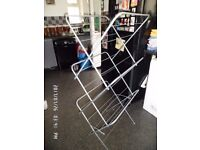 clothes drying horse