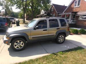 2005 JEEP LIBERTY REALLY NICE SHAPE COME HAVE A LOOK