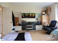 AMAZING DOUBLE ROOM TO SHARE OR FOR COUPLES
