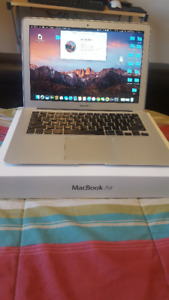 "Macbook Air (13"" Mid 2013)  - Intel i7 and 8GB RAM - Mint"