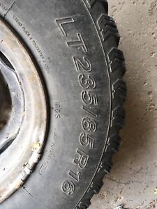 235/85/16 tire and rim