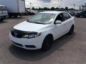 KIA FORTE 2010, 4 CYLINDRES, PNEU HIVER+ ETE+ MAGS 3499$