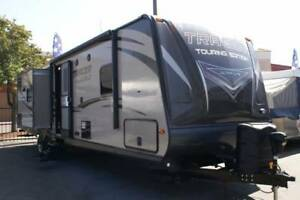 2015 TRACER TOURING EDITION 3200BHT TRIPLE SLIDE WITH BUNKHOUSE