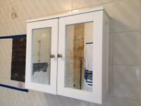 White Mirrored Bathroom Cabinet with shelf - great condition