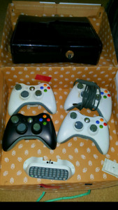 Xbox 360S with games
