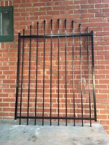 ☆☆ NEUF: Portail Médaillon Fence voûté 60 po (H) x 48 po (L) ☆☆