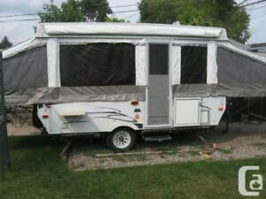 2007 Palomino Pop Up Camper - NEEDS REPAIR