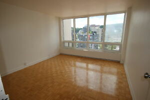 Spacious 3.5 avail now - TUPPER - ATWATER METRO