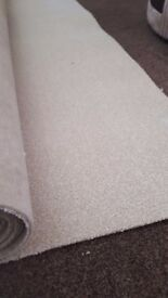 luxury light beige/cream carpet felt backed (new with premium underlay lay) 2.90 x 4m