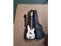 Vintage V4 Precision Bass