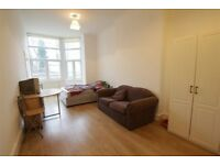 2 bedroom flat in Mount View Road, Crouch End N4