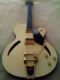 Rare , Collectors 2000 Gretsch G3156 Historic Series Streamliner Electric Guitar for sale