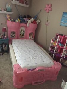 Girls Princess / Castle bed