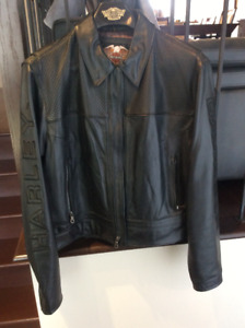 Black Harley-Davidson real leather jacket for a woman  size : LW