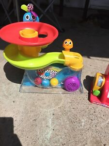 Ball popper and bopper toys