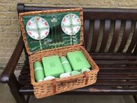 Picnic hamper with full set of accessories