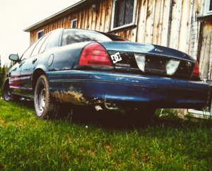 2001 Ford Crown Victoria Police Inceptor
