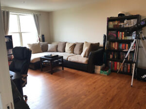 AVAILABLE SEPT 1ST!!! LARGE 2.5 BEDROOM LEASE TAKE OVER!!!!!!!!