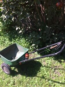 LAWN GRASS SEED SPREADER