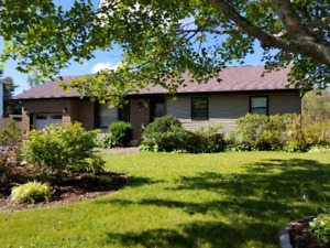Perfect home for entertaining family & friends OR as a retreat!