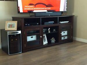 Meuble de tv en bois presque neuf !