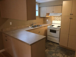 AVAILABLE IMMEDIATELY - COMFORTABLE 2 BR SUITE!!