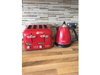 Delonghi red kettle and toaster