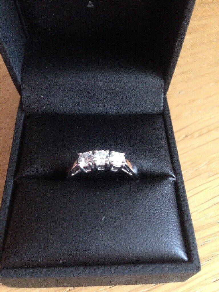 NEW 18ct white gold trilogy diamond ring L 1/2