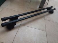 Thule Locking Roof Bars for roof rails - 120cm
