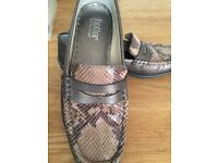 Hotter Loafers / Shoes in snakeskin / bronze / brown leather size 6 1/2