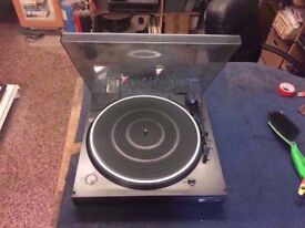 KENWOOD P-63 TURNTABLE
