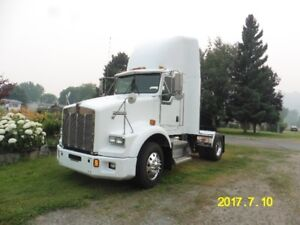 2003 Kenworth T800 Single Axle Day Cab Tractor
