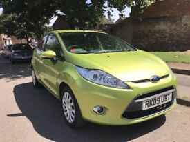 Ford Fiesta 1.4 Titanium 2009 5dr full MOT Perfect condition