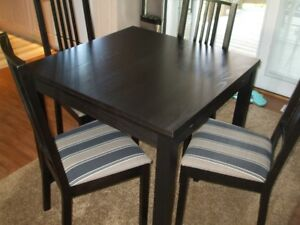 Moving  Table and 4 chairs