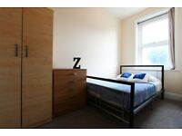 Move ASAP ** Amazing Double Room in KENSAL GREEN ** 3Bed Flat