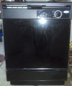 WHIRLPOOL BLACK COLOUR DISHWASHER FOR SALE!