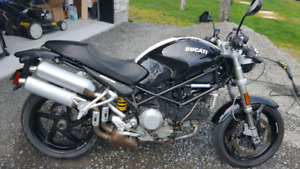 Ducati Monster  S2R 1000 2008 Négociable