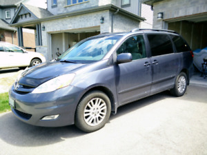 2010 Toyota Sienna LE AWD - PRICE REDUCED