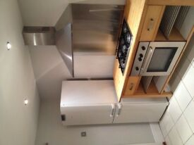Lovely 2/3 Terrace House for Rent £500 Available 6th August!! NO FEES