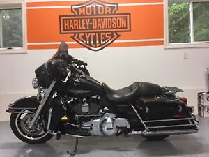 Mint 2012 Harley street glide police edition