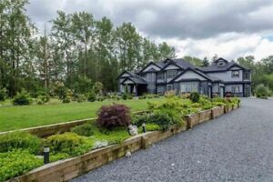 Custom built home on a 2.5 Acre lot in Aldergrove
