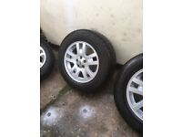 5 x Freelander 2 alloy wheels with good tyres, exelant condition no punchers