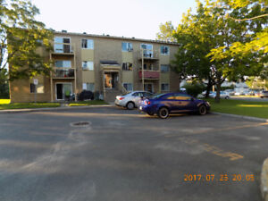 PINCOURT-65 5th Ave 4½ to RENT available on Sept 1st (or before)