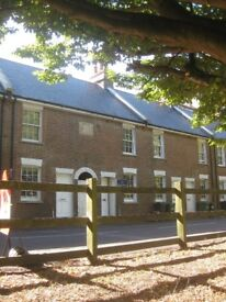 RYE CENTRE Pretty Victorian 2 bedroom house recently fully refurbished.