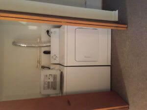 One bedroom Cowan Heights parking laundry
