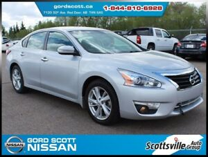 2014 Nissan Altima 2.5 SL Tech Pkg, Leather, Sunroof, Nav, Clean