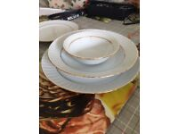 Porcelain Dinnerware set for 5(25 piece) from a prominent trademark of Turkey in excellent condition